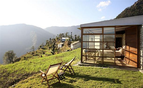 Mountain Home Design – Picturesque Mountain Hotel with Stone and Glass Wall